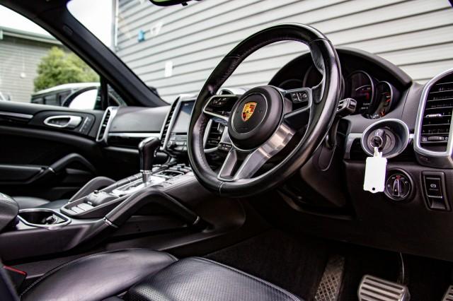 2016 (66) PORSCHE CAYENNE 3.6 V6 S TIPTRONIC S 5DR AUTOMATIC | <em>42,775 miles