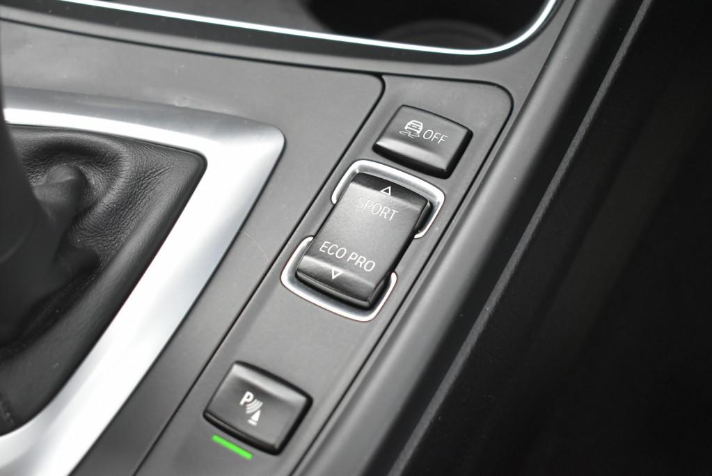 BMW 3 SERIES 3.0 330D MODERN 4DR AUTOMATIC