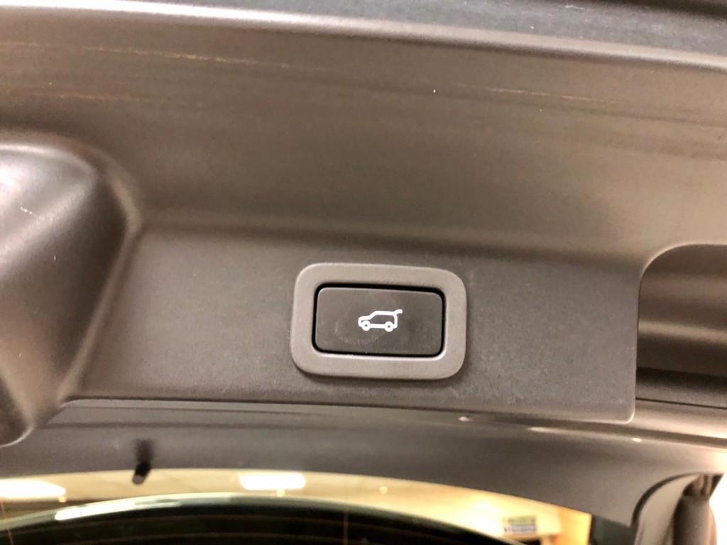 JAGUAR F-PACE 2.0 R-SPORT AWD 5DR AUTOMATIC