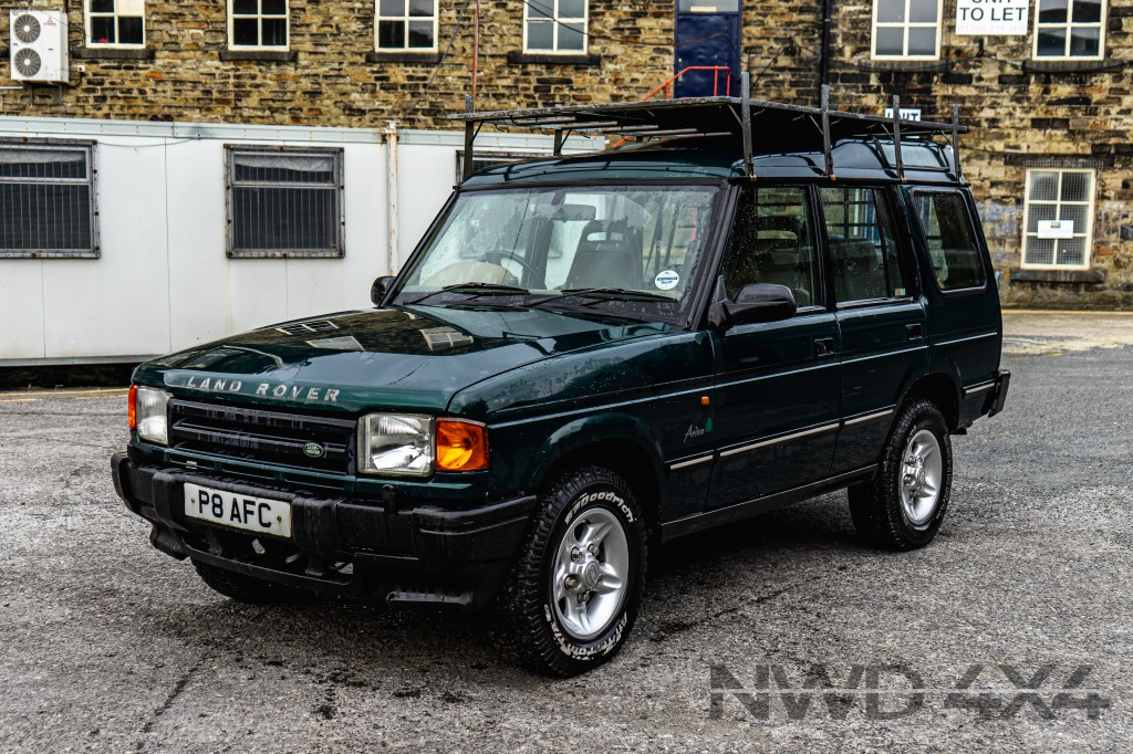 Used LAND ROVER DISCOVERY TDI 2.5 TDI 5DR AUTOMATIC in Lancashire