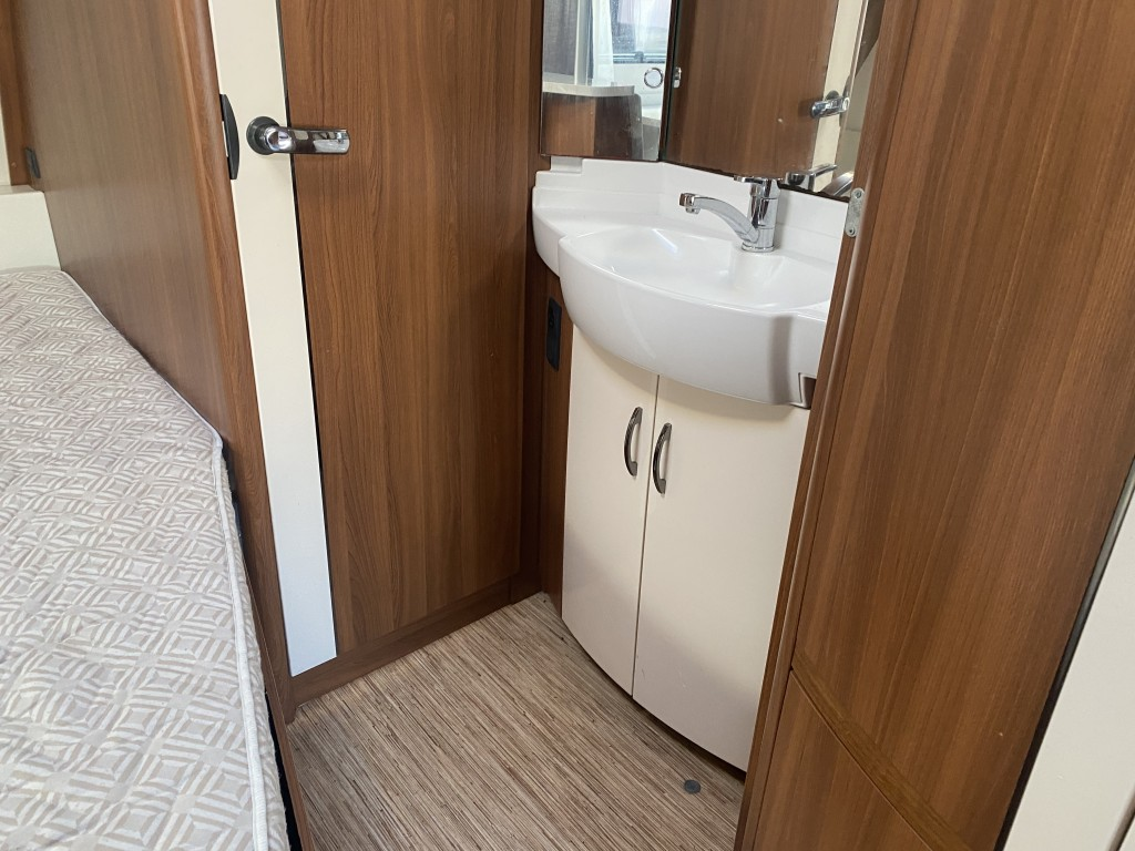 HOBBY 645 VIP 5 berth Fixed bed 15 months warranty