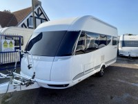 HOBBY PREMIUM 460 ufe 4 berth Fixed bed motor mover awning 15 months warranty