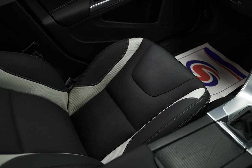 VOLVO S60 1.6 DRIVE R-DESIGN S/S 4DR