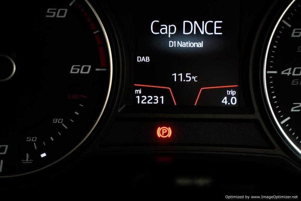 SEAT LEON 1.6 TDI SE DYNAMIC TECHNOLOGY DSG 5DR SEMI AUTOMATIC