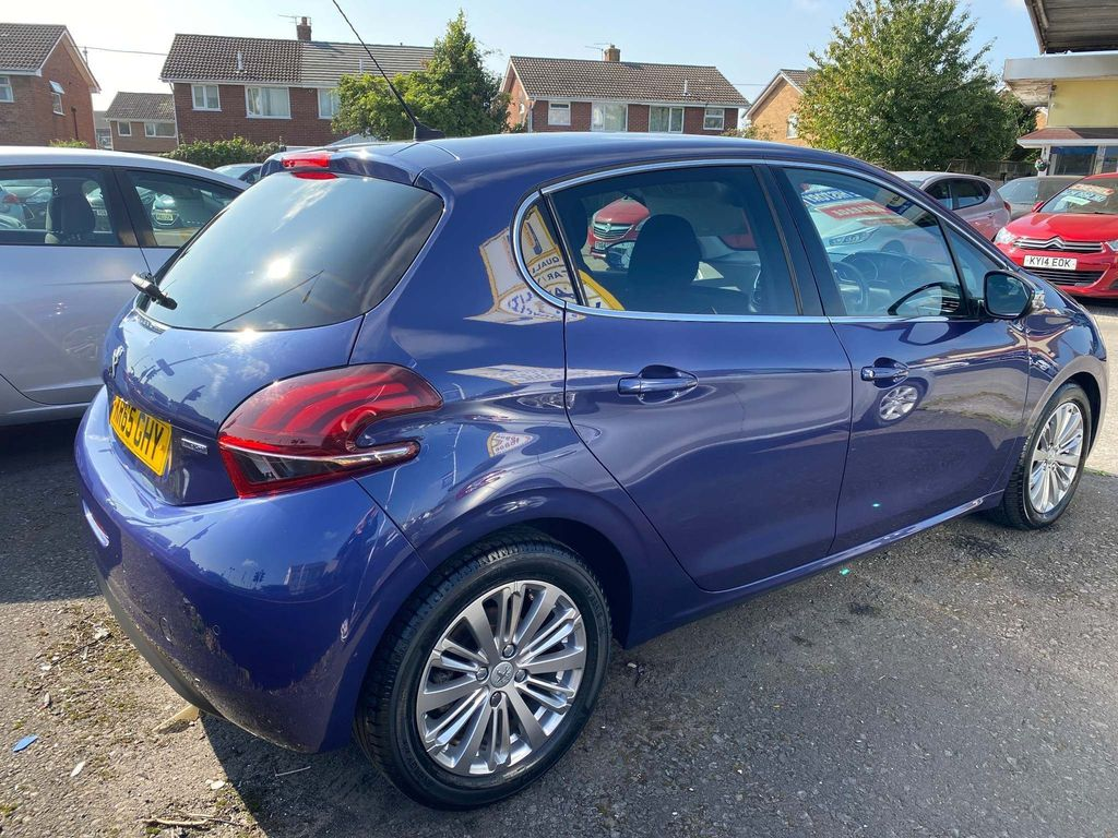 PEUGEOT 208 1.6 BLUE HDI ALLURE 5DR