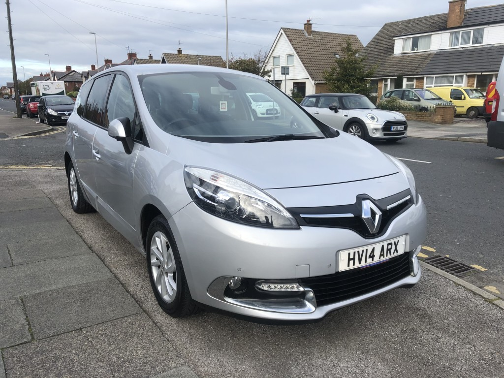 RENAULT GRAND SCENIC 1.5 DYNAMIQUE TOMTOM ENERGY DCI S/S 5DR