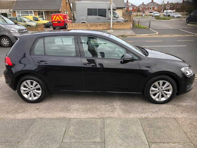 VOLKSWAGEN GOLF 1.6 SE TDI BLUEMOTION TECHNOLOGY DSG 5DR SEMI AUTOMATIC