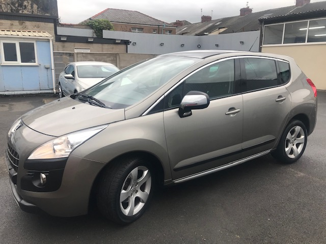 PEUGEOT 3008 1.6 EXCLUSIVE HDI 5DR SEMI AUTOMATIC
