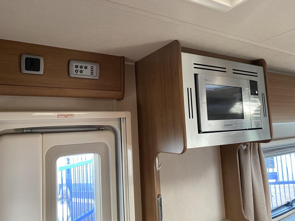 AUTO-TRAIL IMALA 615 4 berth Low miles 15 months warranty