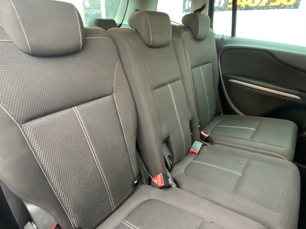 VAUXHALL ZAFIRA 1.4 SRI 5DR Low miles 7 seats