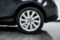 VOLVO V40 2.0 D3 SE LUX NAV 5DR AUTOMATIC