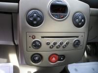 RENAULT CLIO 1.4 PRIVILEGE 16V 5DR