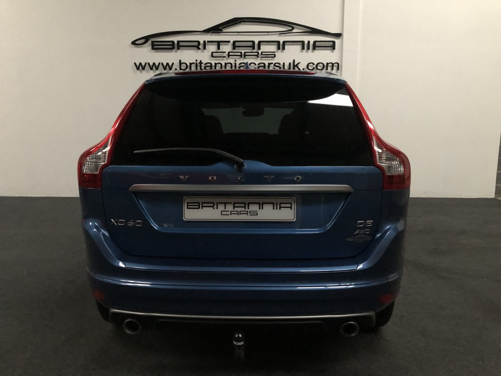 VOLVO XC60 2.4 D5 R-DESIGN LUX NAV AWD 5DR AUTOMATIC