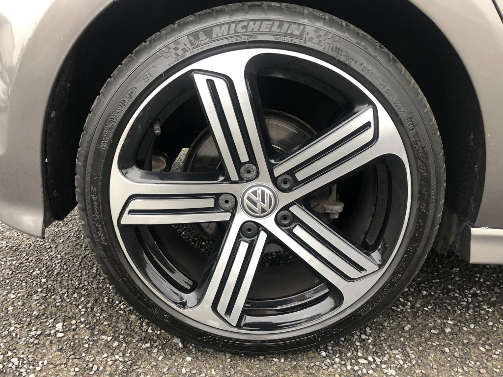 VOLKSWAGEN GOLF 1.4 R LINE EDITION TSI ACT BMT 5DR