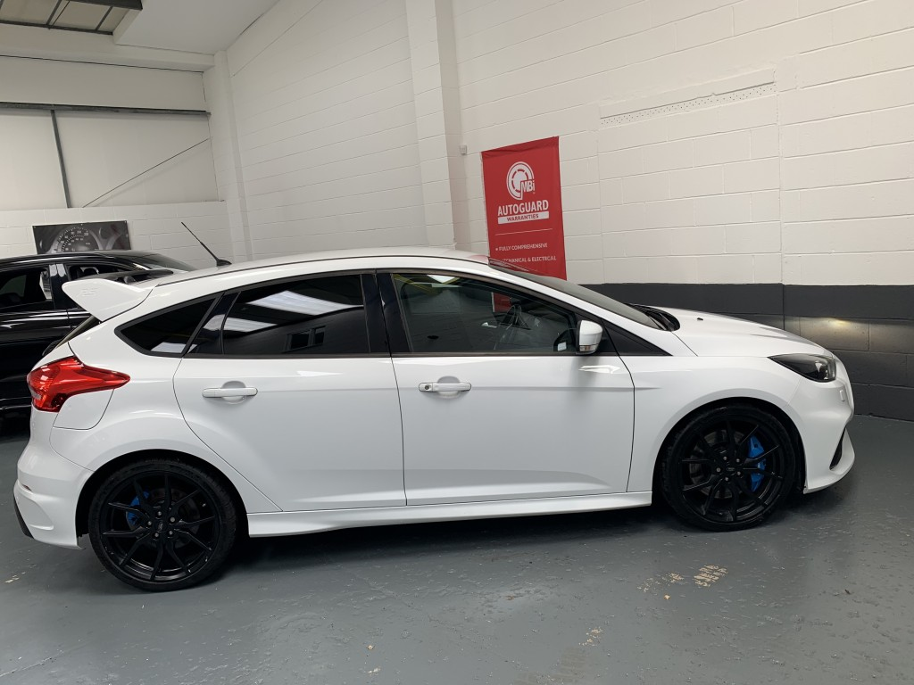 FORD FOCUS RS 2.3 RS 5DR