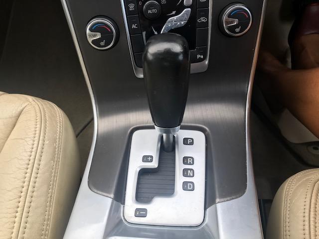 VOLVO S60 2.4 D5 SE LUX 4DR SEMI AUTOMATIC