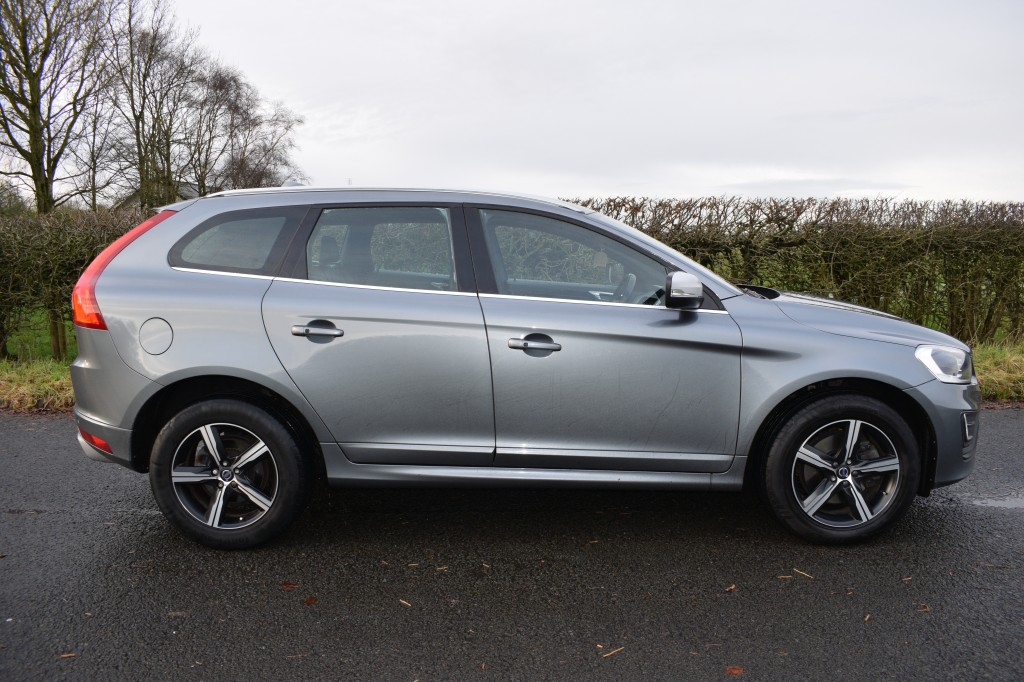 VOLVO XC60 2.0 D4 R-DESIGN LUX NAV 5DR AUTOMATIC