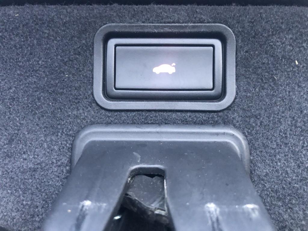 AUDI A8 3.0 TDI QUATTRO DPF SPORT 4DR AUTOMATIC