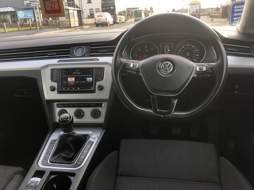 VOLKSWAGEN PASSAT 2.0 SE BUSINESS TDI BLUEMOTION TECHNOLOGY 4DR