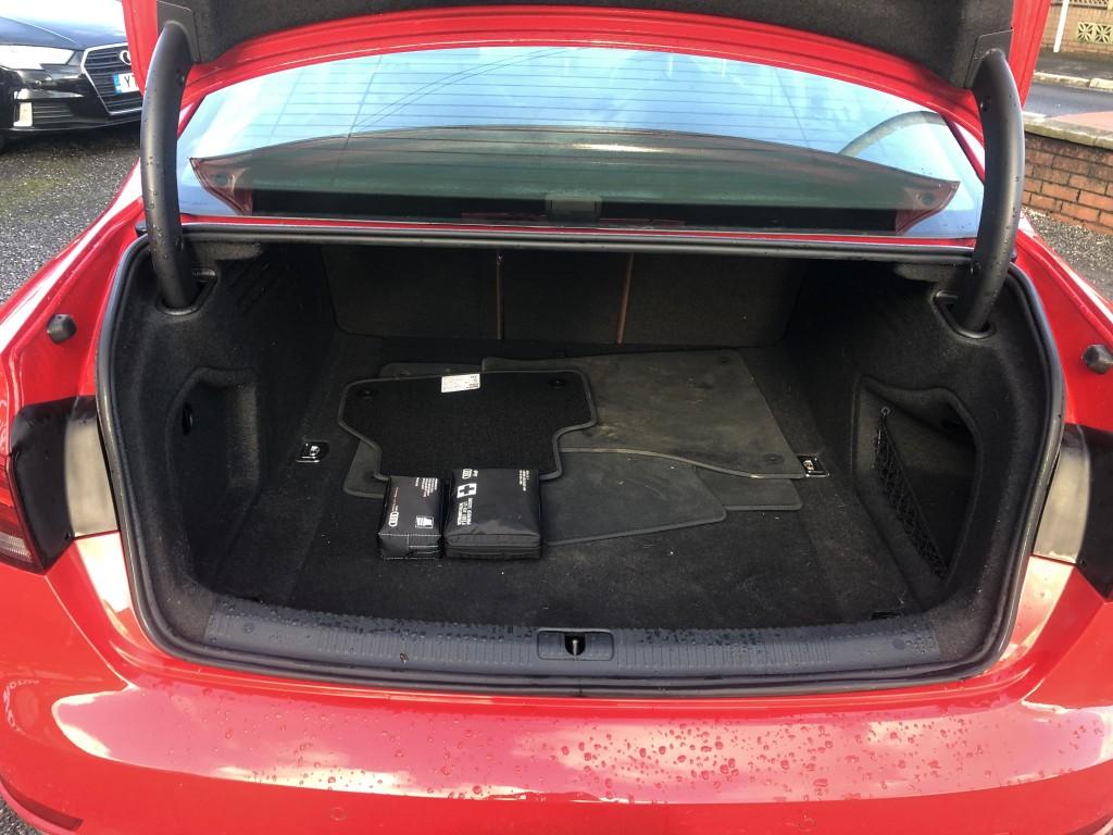 AUDI A4 2.0 TDI ULTRA SPORT 4DR