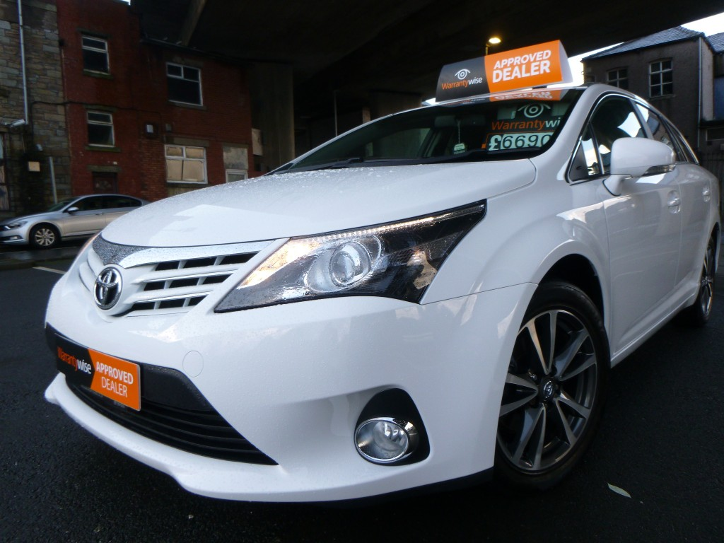 TOYOTA AVENSIS 2.0 D-4D ICON BUSINESS EDITION 5DR