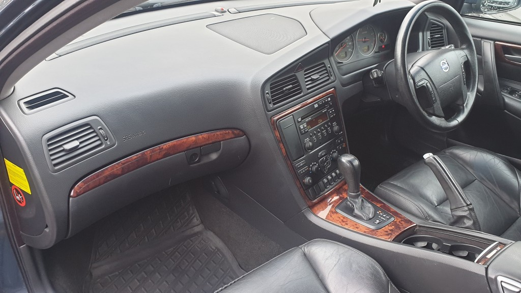VOLVO V70 D5 SE 2.4 D5 SE 5DR AUTOMATIC