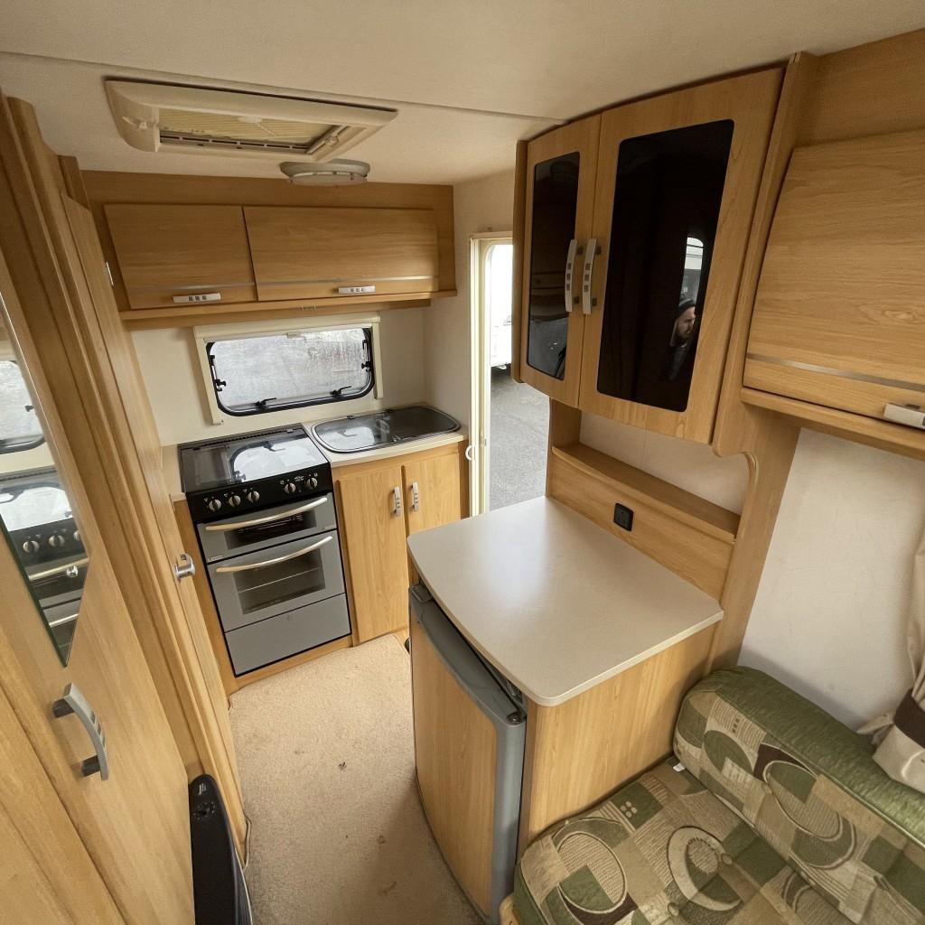 LUNAR ARIVA Caravan