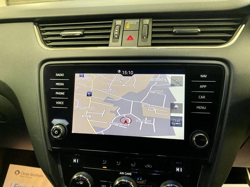 SKODA OCTAVIA 2.0 VRS TDI DSG 5DR SEMI AUTOMATIC