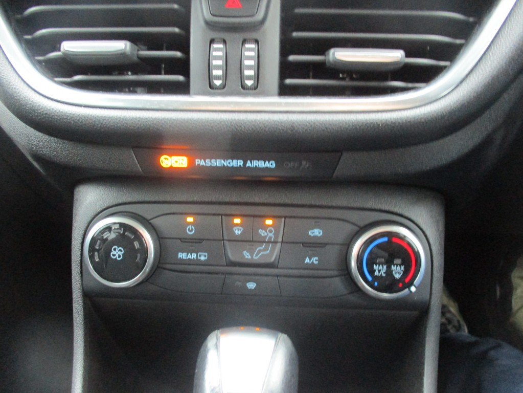 FORD FIESTA 1.0 ZETEC 3DR AUTOMATIC