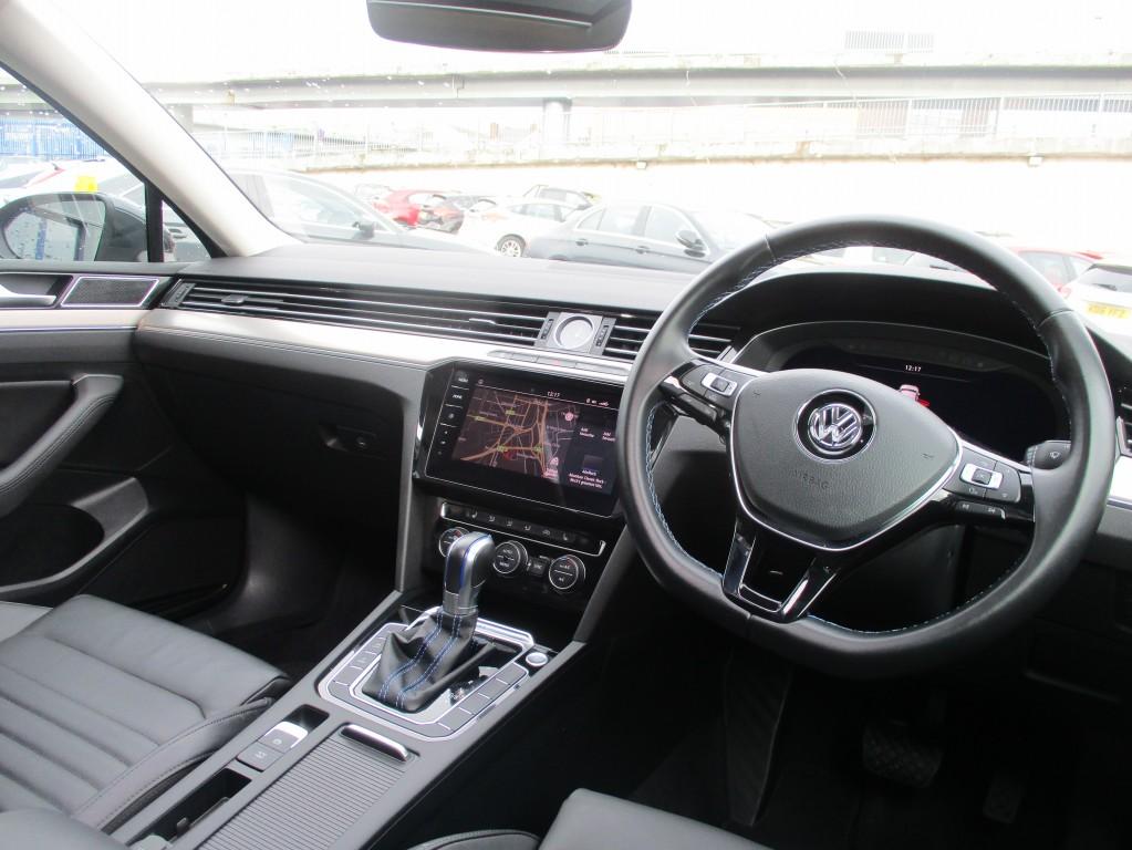 VOLKSWAGEN PASSAT 1.4 GTE ADVANCE DSG 5DR SEMI AUTOMATIC