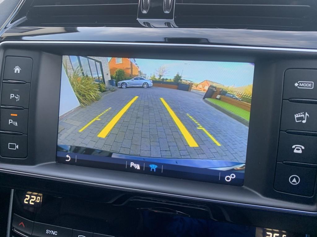 JAGUAR XE 2.0 D PORTFOLIO AWD 4DR AUTOMATIC