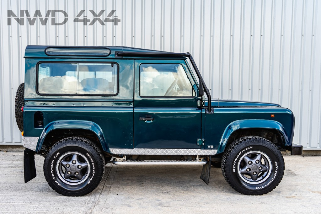 Used LAND ROVER DEFENDER V8 50TH ANNIVERSARY 3.9 V8 50TH ANNIVERSARY 3DR AUTOMATIC in Lancashire