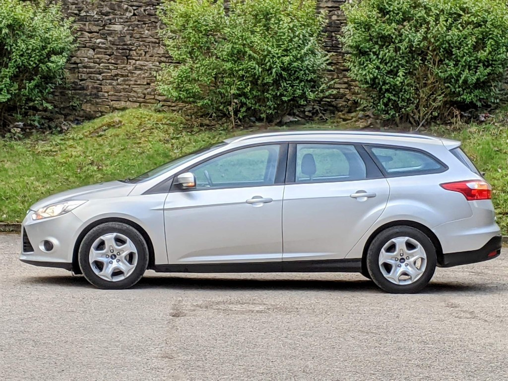 FORD FOCUS 1.6 EDGE 5DR AUTOMATIC