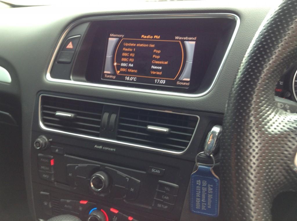 AUDI Q5 2.0 TDI QUATTRO S LINE 5DR AUTOMATIC