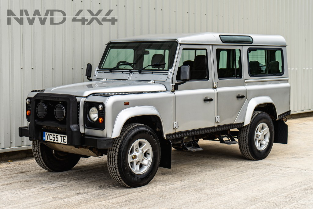 Used LAND ROVER DEFENDER 2.5 110 TD5 SILVER STATION WAGON 5DR LE SPECIAL VEHICLES  in Lancashire
