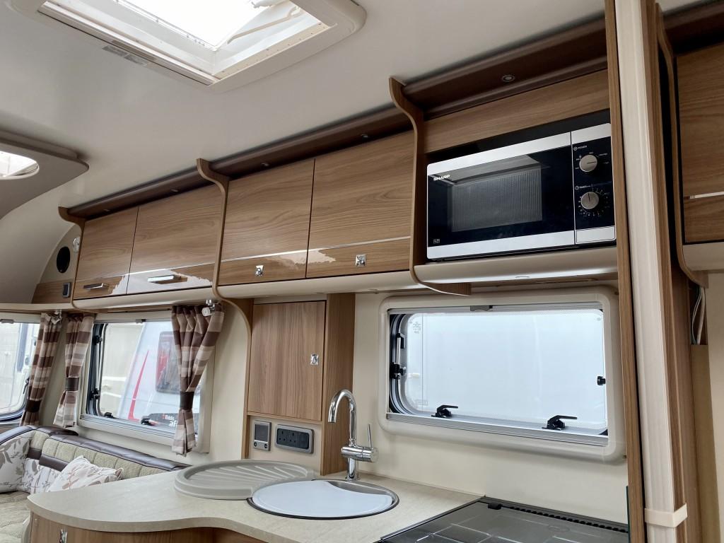 BAILEY UNICORN CADIZ 4 berth Fixed single beds Motor mover awning