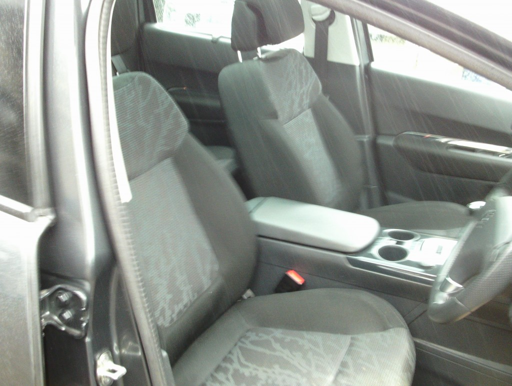 PEUGEOT 3008 1.6 EXCLUSIVE HDI 5DR