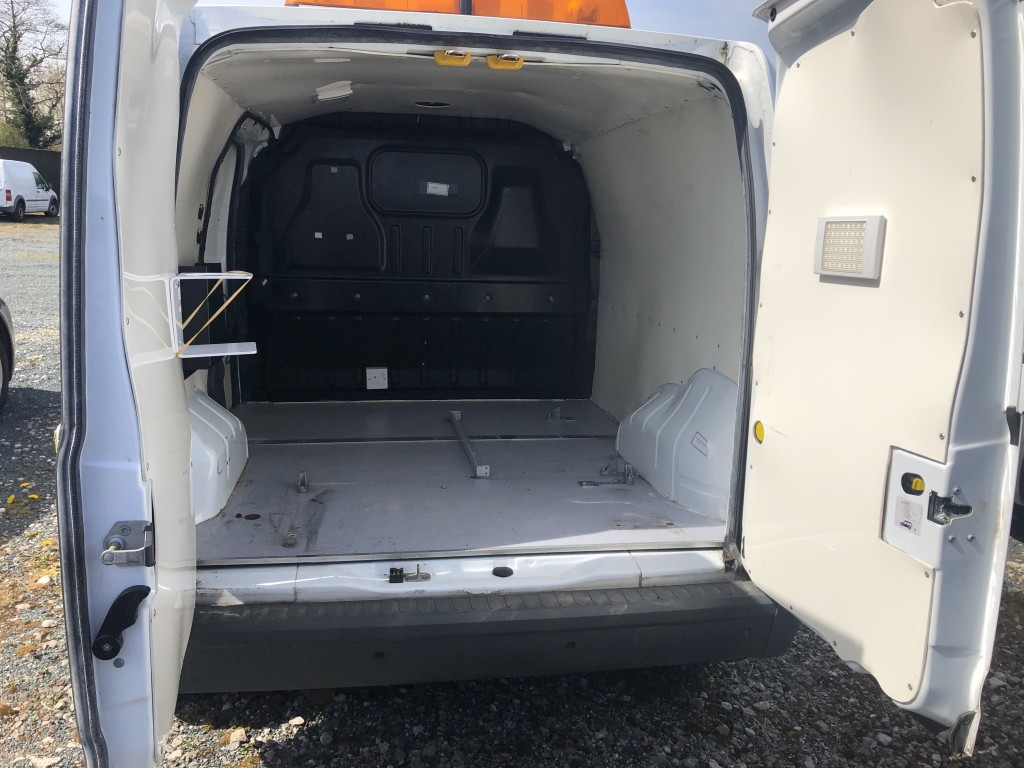 FORD TRANSIT CONNECT 1.8 T220 LR CDPF