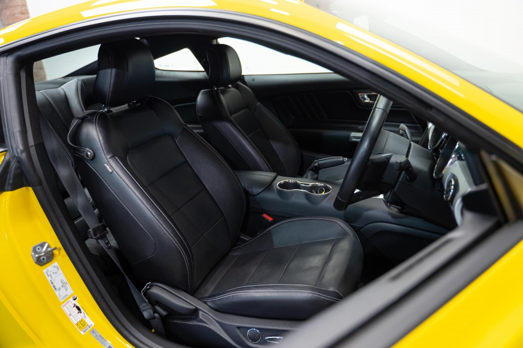 FORD MUSTANG 5.0 SHADOW EDITION 2DR