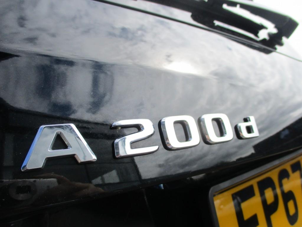 MERCEDES-BENZ A CLASS 2.1 A 200 D AMG LINE 5DR SEMI AUTOMATIC