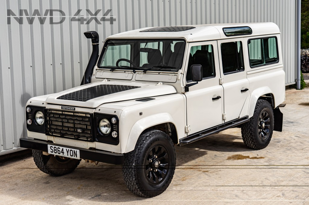LAND ROVER DEFENDER 2.5 110 COUNTY SW 12S TDI 5DR