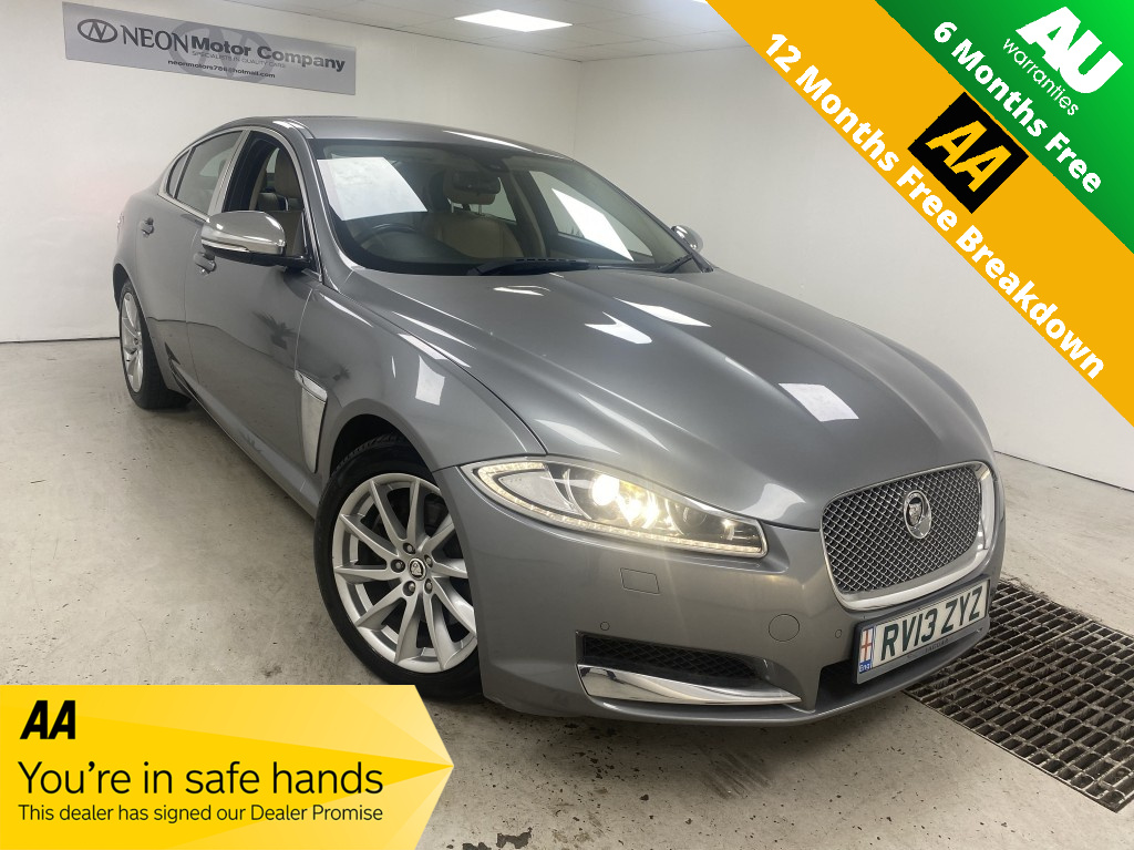 Used JAGUAR XF 3.0 D V6 LUXURY 4DR AUTOMATIC in West Yorkshire
