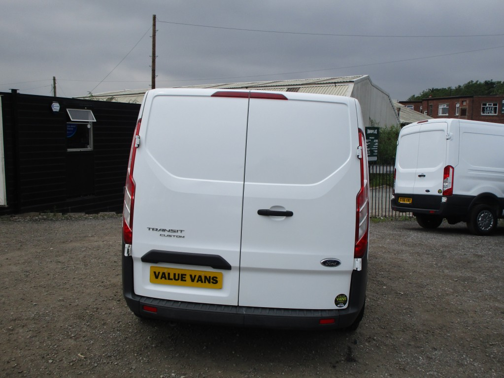 FORD TRANSIT CUSTOM DCIV FACTORY CREW VAN (6 SEATS) - JUST BEEN SERVICED