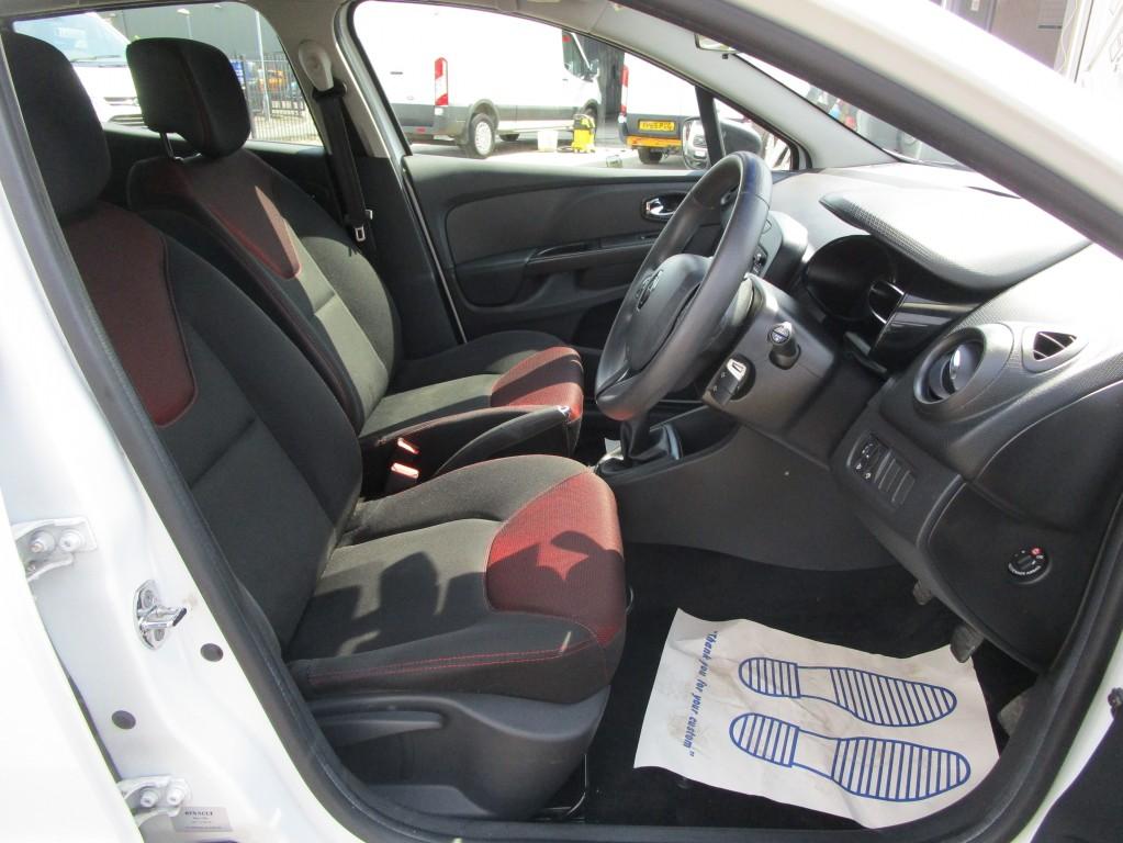RENAULT CLIO 1.1 EXPRESSION 16V 5 DOOR - 42,000 MILES - CRUISE CONTROL - BLUETOOTH