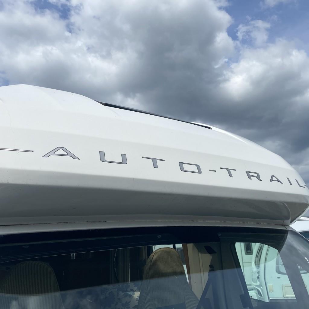 AUTO-TRAIL Tracker FB