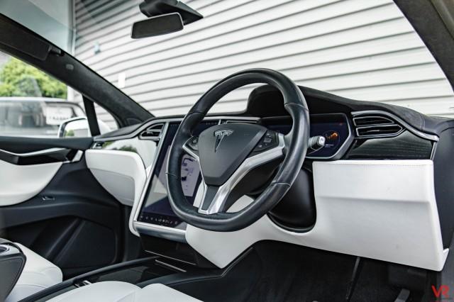 2017 (67) TESLA MODEL X 75D 5DR AUTOMATIC   <em>34,010 miles