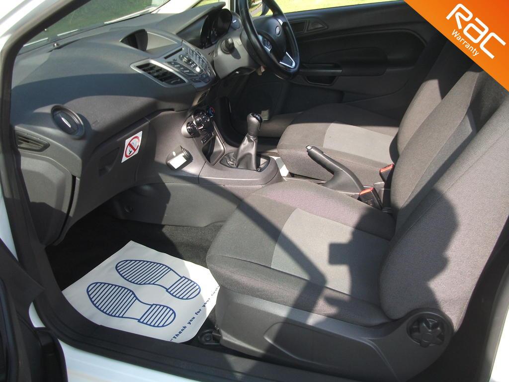 FORD FIESTA DIESEL CAR DERIVED VAN 1.6 ECONETIC TDCI