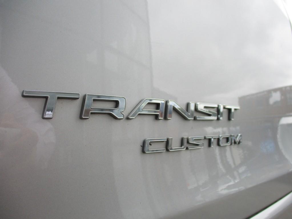 FORD TRANSIT CUSTOM 2.2 290 LIMITED LR P/V