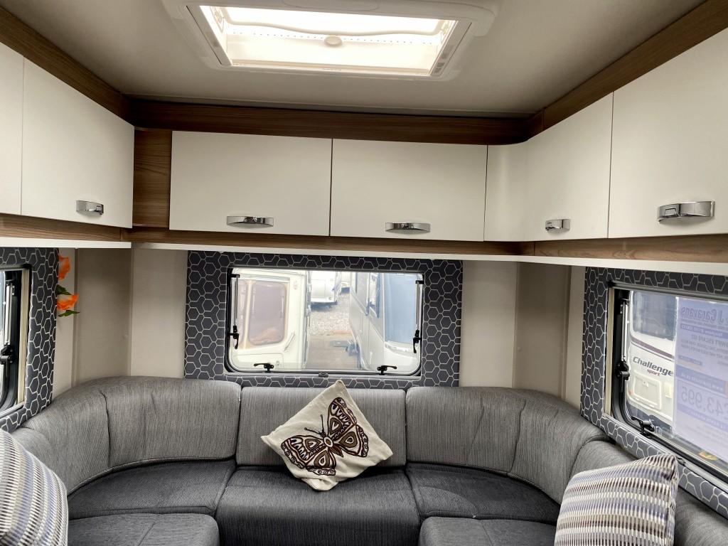 SWIFT ESCAPE 622 2 Berth End lounge