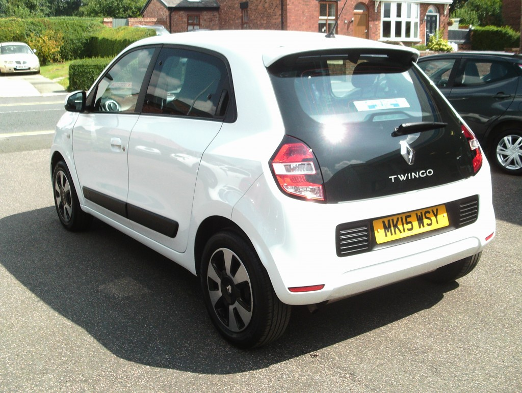 RENAULT TWINGO 1.0 PLAY SCE 5DR